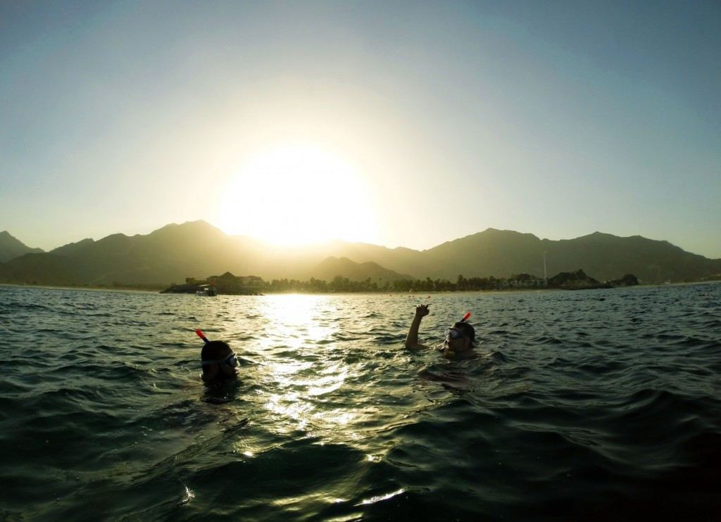 Sunset snorkling in Dubai